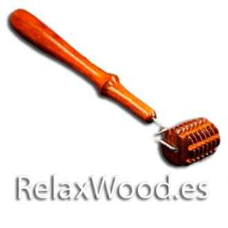 Striated roller facial for therapy wood